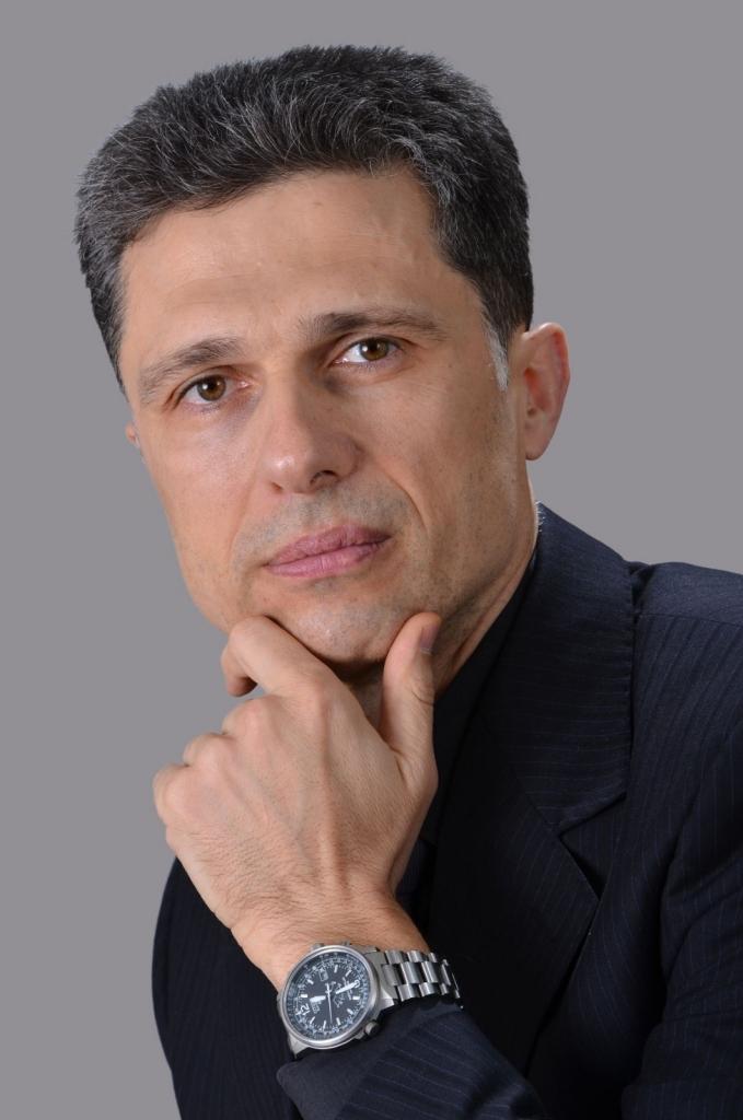 д-р Евгени Христозов